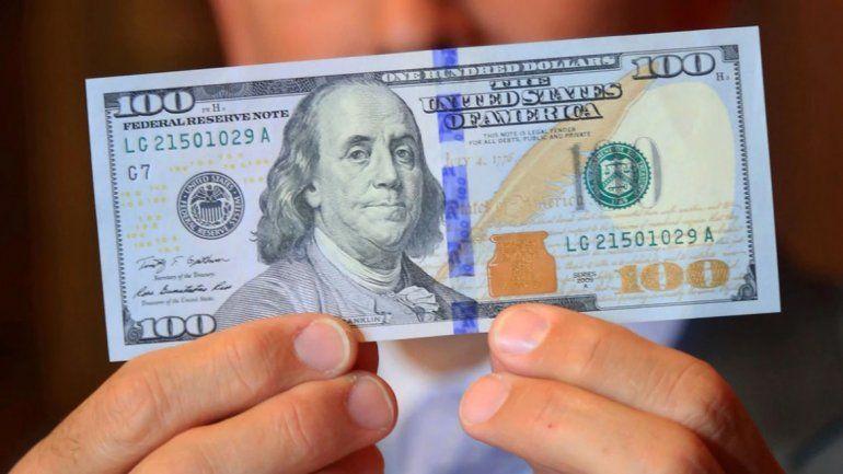 La AFIP reglamentó aplicación del impuesto a compra de divisas y bienes y servicios en el exterior