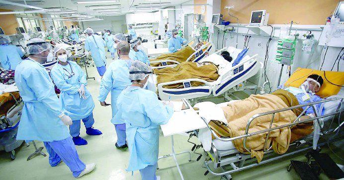 Por décimo día consecutivo creció la cantidad de pacientes con coronavirus internados en terapia intensiva.