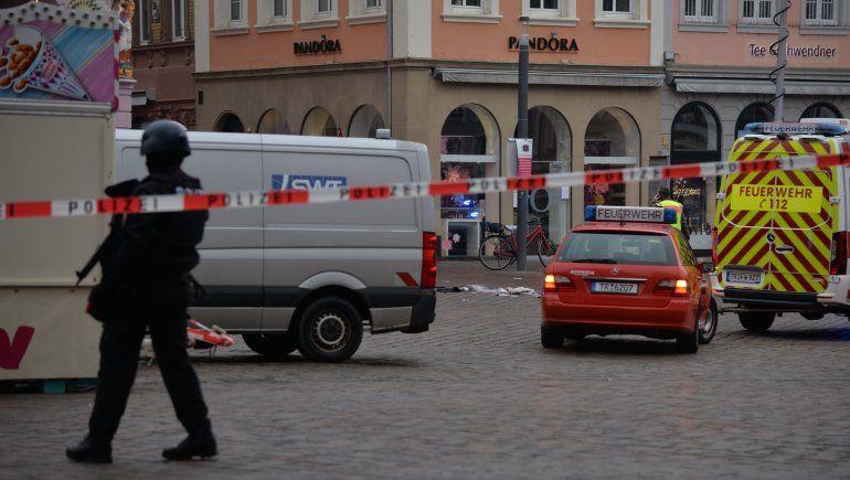 Atropelló a una multitud en una peatonal en Alemania: cuatro muertos y 30 heridos