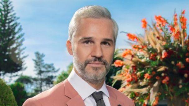 De acuerdo con lo reseñado por la prensa mexicana Juan Pablo Medina, actor deLa casa de las flores,se encuentra fuera de peligro