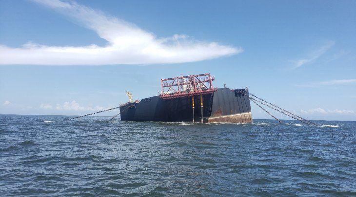 FOTO DE ARCHIVO- La instalación flotante de almacenamiento y descarga (FSO) de Nabarima