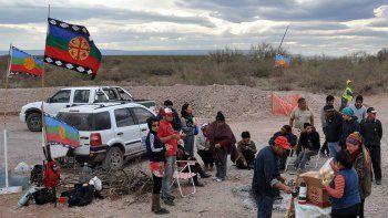 Por un bloqueo mapuche, Mari Menuco está sin luz