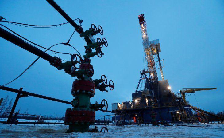 Imagen de archivo de un pozo y plataforma de perforación en el campo petrolero Yarakta de Irkutsk Oil Company (INK) en la región de Irkutsk