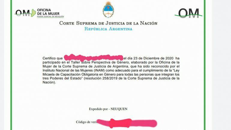Denuncian que emitieron certificados truchos de la Ley Micaela a judiciales de Neuquén