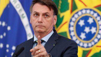 bolsonaro aseguro que los argentinos escapan hacia brasil