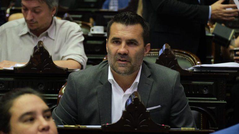 Martínez ve un plan petrolero en la Ley que se viene