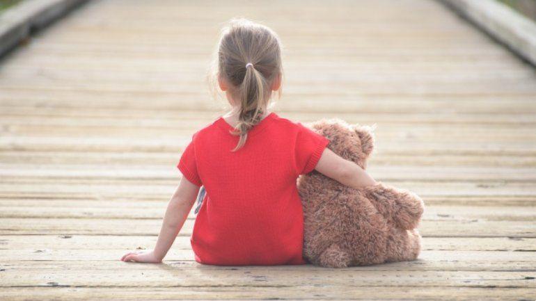 Una niña encuentra a sus padres muertos a pocos días de contraer Covid-19
