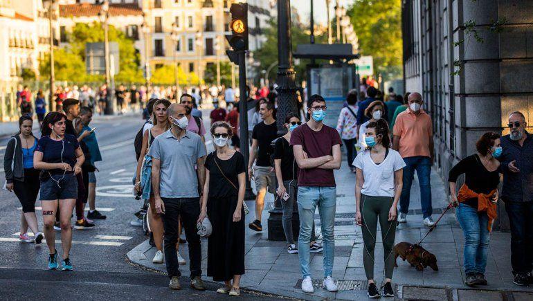En 7 meses, España estima tener a todos vacunados