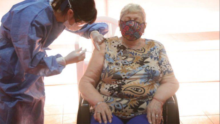 Vacunación: provincia anunció transporte para los mayores de 80