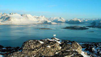 la antartida y groenlandia se derriten y podria aumentar el nivel de mar
