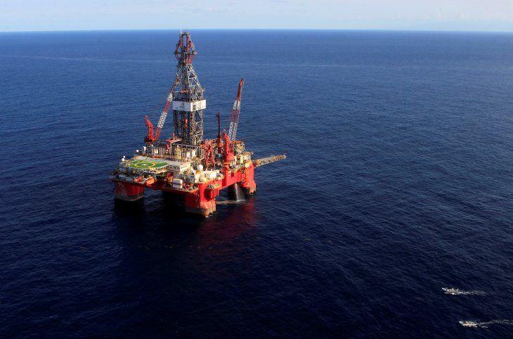 FOTO DE ARCHIVO. Vista general de la plataforma marítima de petróleo Centenario