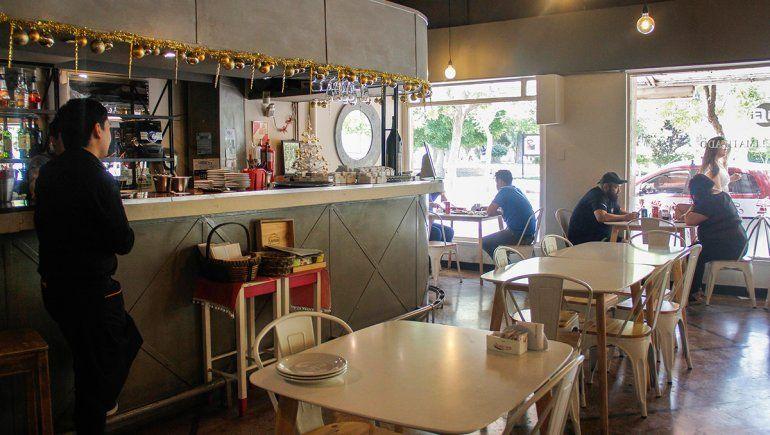 El municipio amplía el horario de atención en gastronomía, cine y teatro