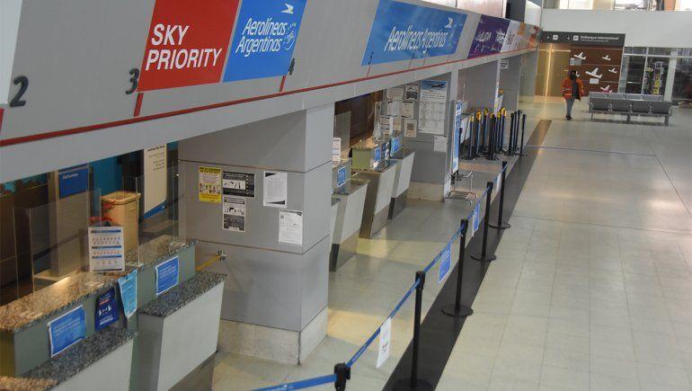 ¿Cuándo llega el primer vuelo al aeropuerto de Neuquén?