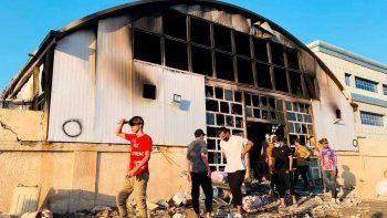 se incendio un hospital en irak: al menos 92 muertos