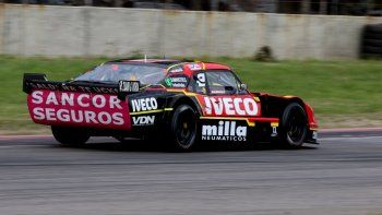 La Chevy de Urcera sale de box del JP Carrera y se mete en el de Las Toscas.