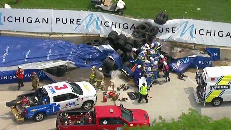 Félix Rosenqvist protagonizó un espectacular accidente en la carrera 1 de la IndyCar en Detroit