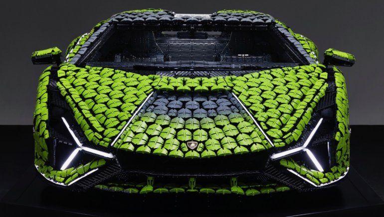 Viral en YouTube: así es el Lamborghini tamaño real creado por Lego.