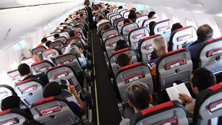 Un hombre se masturbó en un vuelo que tenía como destino Neuquén y será investigado