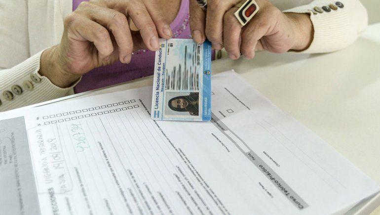 Este martes habilitan los centros de emisión de licencias de conducir