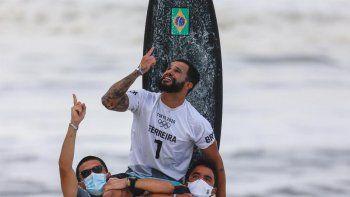 la increible historia del primer campeon olimpico en surf