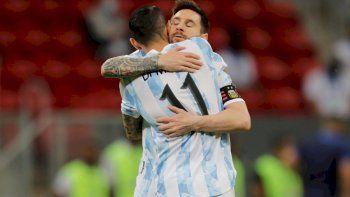 Con un golazo del Papu Gómez, Argentina ya supera a Paraguay
