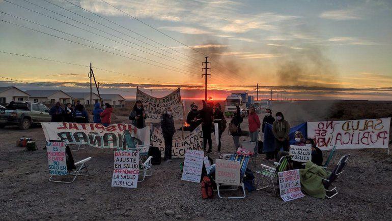 Conflicto en Salud: bloquean los accesos a Añelo y cortan en Junín y Zapala