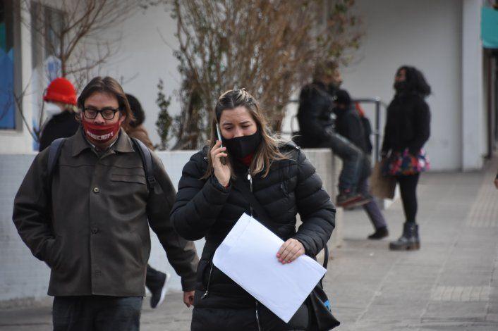 COVID: hubo tres fallecidos y 143 contagios en Neuquén