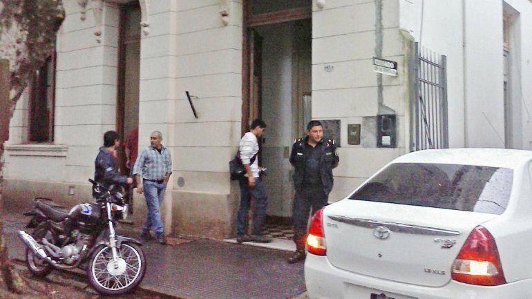 Mía fue atendida en la seccional de Policía luego de que el maletero Raúl González la reconociera en la terminal.
