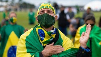 Coronavirus: Brasil supera los 200 mil fallecidos