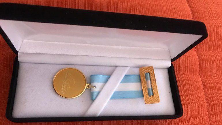 El gasto millonario en las medallas alcanzaba para dar de comer todo un año en un comedor