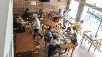Aforo en restoranes de Neuquén.