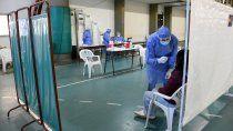 cinco muertos y 245 nuevos casos por covid en neuquen