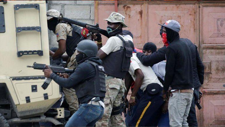 Militares y policías a los tiros en Haití: dos muertos