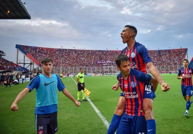 Andrés Herrera junto a Romero