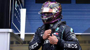 Lewis Hamilton recordó a Diego Maradona por su muerte.