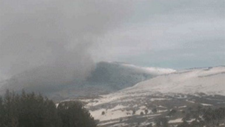 Por la baja actividad volcánica, el Copahue bajó el nivel de alerta