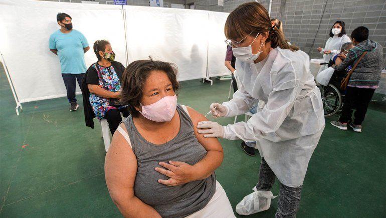 Después de los mayores de 60, ¿quiénes siguen para recibir la vacuna?