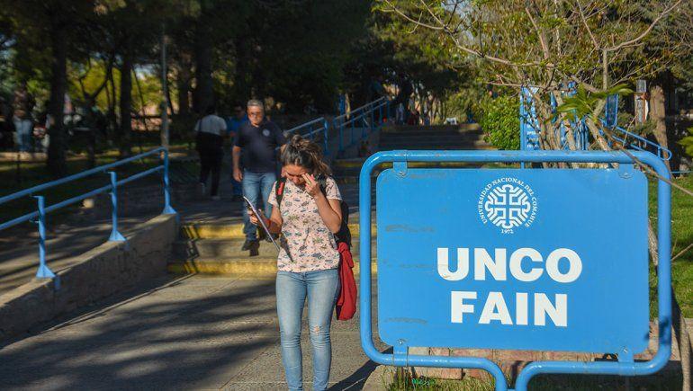 Las universidades también suspendieron las clases