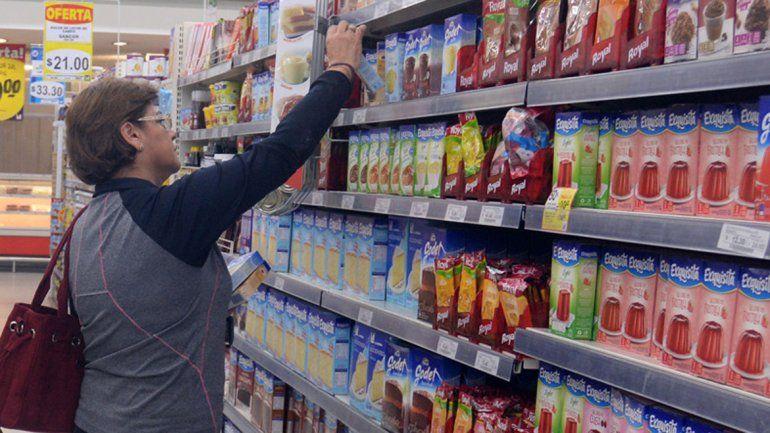 Supermercados deberán identificar alimentos que estén por vencer
