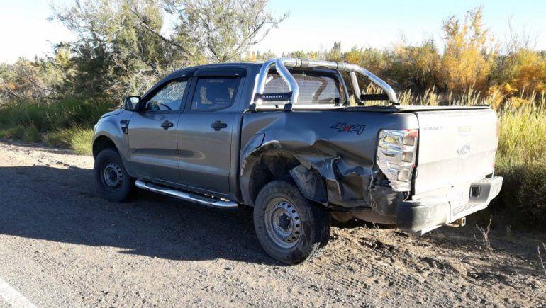 La camioneta Ford Ranger a la que intentó pasar el padre de la familia.