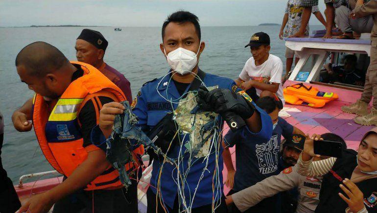 El Boeing 737 se estrelló en el mar: no hay sobrevivientes
