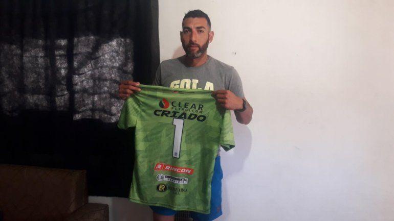 Criado en la intimidad de su hogar donde recibió a LM Neuquén (Osvaldo Domínguez).