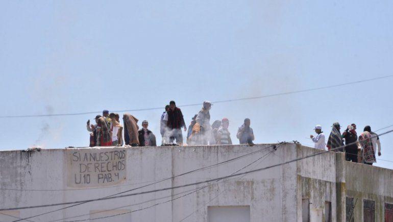 Motín en las cárceles: presos reclaman que vuelvan las visitas
