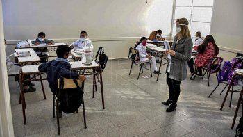 vizzotti anuncio que los docentes seran vacunados con la formula china