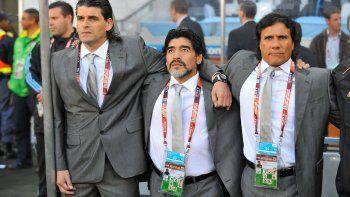 El Negro Enrique conformó el cuerpo técnico de Diego en la selección.