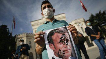 el presidente turco pidio boicotear los articulos franceses