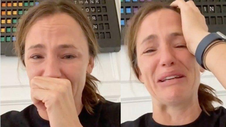 La actriz Jennifer Garner lloró en Instagram producto de la pandemia