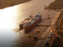 La terminal de GNL de Escobar, operada por Excelerate Energy. Argentina tiene una oferta local de gas del orden de los 124 millones de metros cúbicos diarios en promedio.
