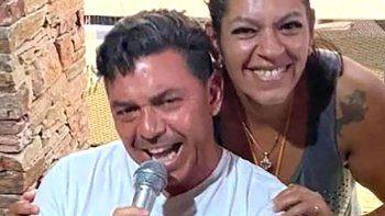 El Muñeco le cantó a su hermana Marta.