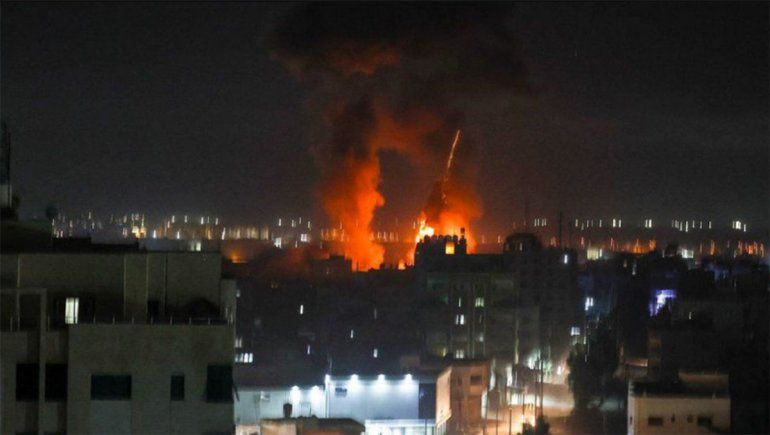 Israel ataca en Gaza tras los incendios provocados